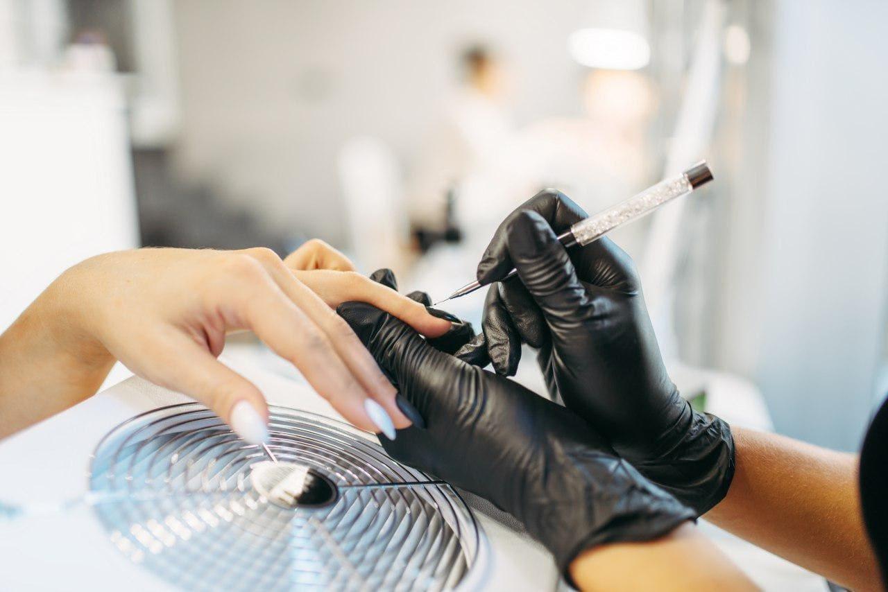 К понедельнику норильские парикмахерские и салоны красоты оснастят средствами индивидуальной защиты