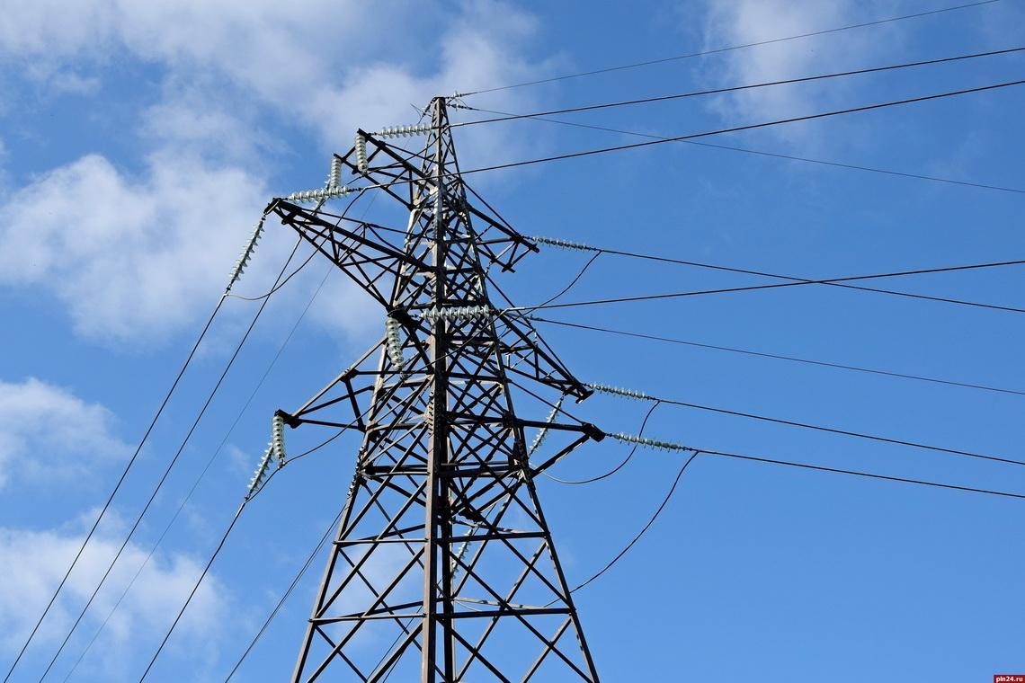 На линии электропередачи, снабжающей электроэнергией рудники Талнаха, поменяли опоры