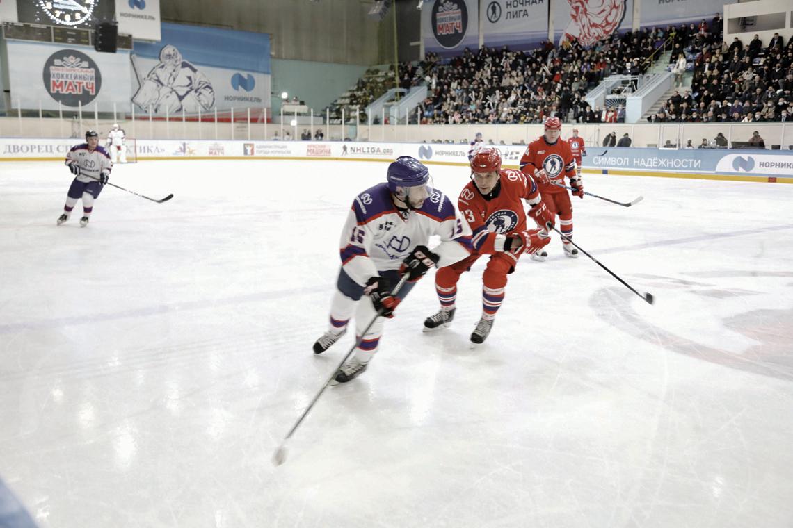 Скрестим клюшки во славу молодёжного спорта