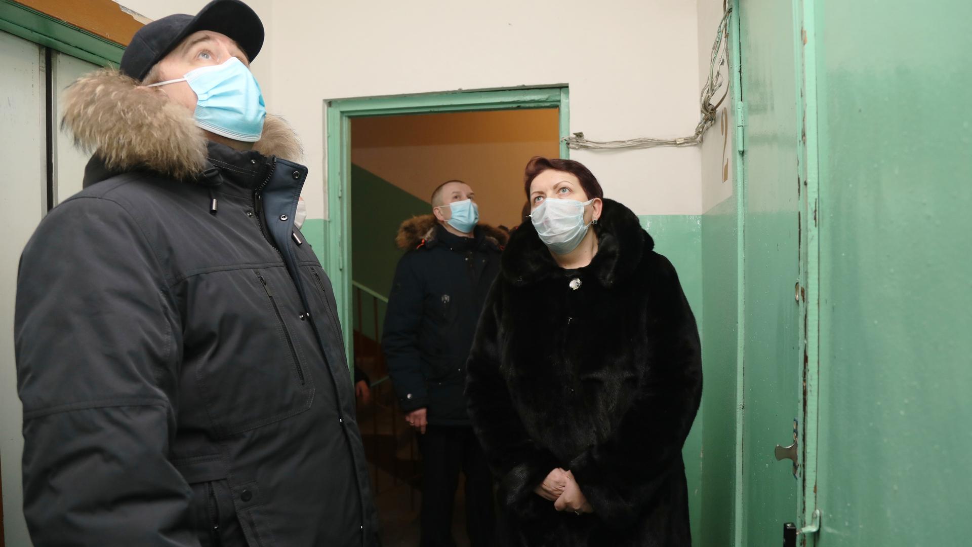 Во второй день визита министр промышленности, энергетики и ЖКХ Красноярского края продолжил осмотр жилых домов