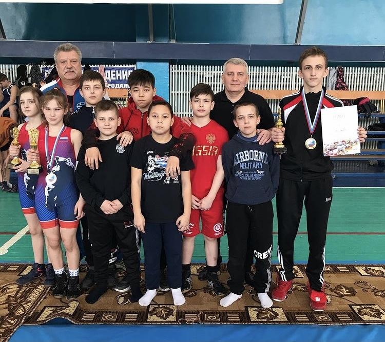 Юные норильские борцы привезли шесть медалей с первенства региона по вольной борьбе