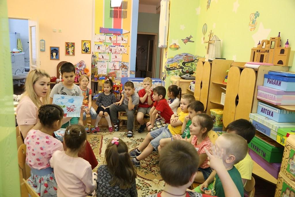 В России принят закон о зачислении в одну школу братьев и сестер независимо от места их регистрации