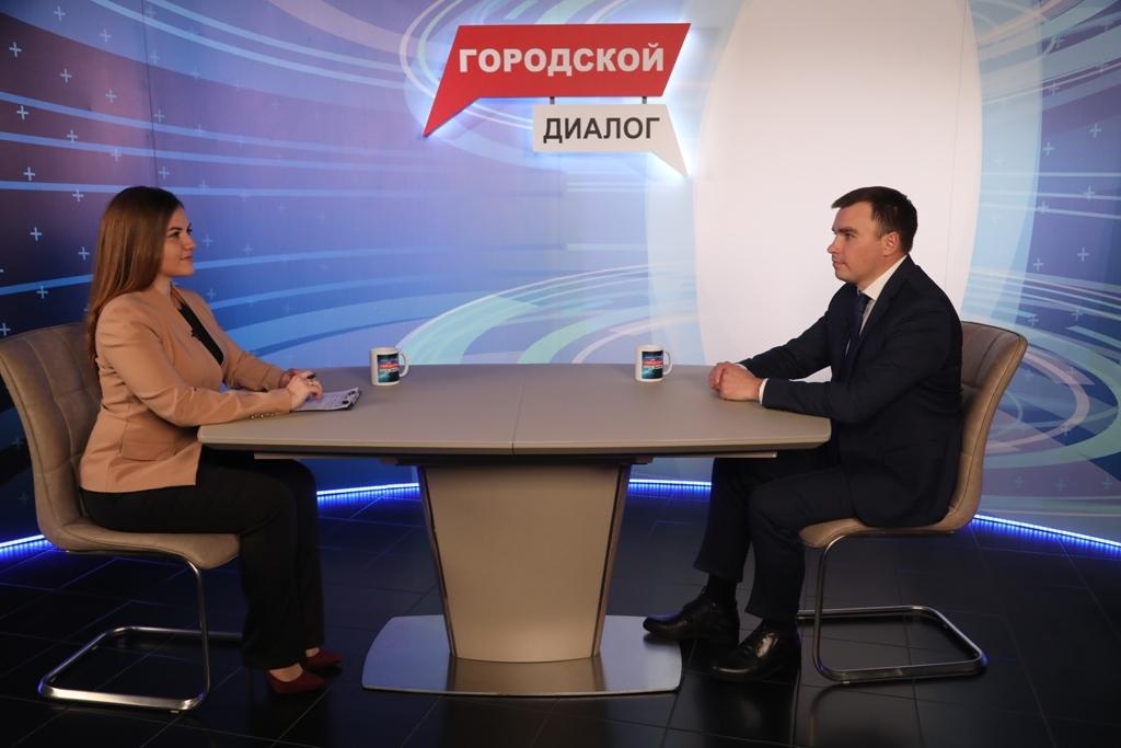 Сегодня в эфире телеканала Норильск ТВ - первое телевизионное интервью с новым главой Норильска Дмитрием Карасевым