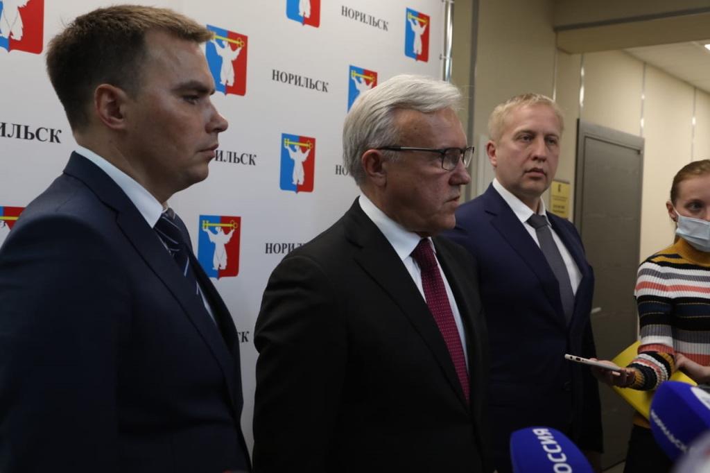 Губернатор Красноярского края обсудил с руководством Норильска вопросы социально-экономического развития города