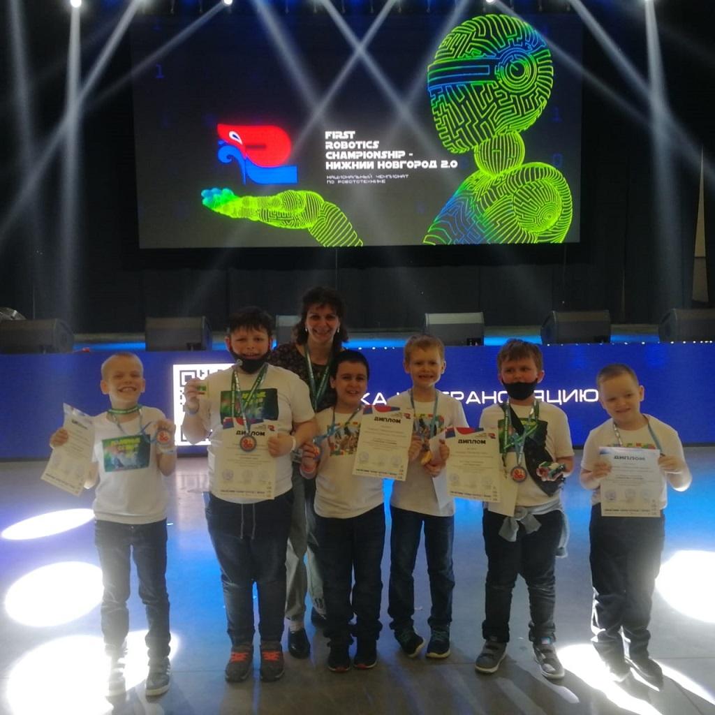 Названы победители Национального чемпионата по робототехнике