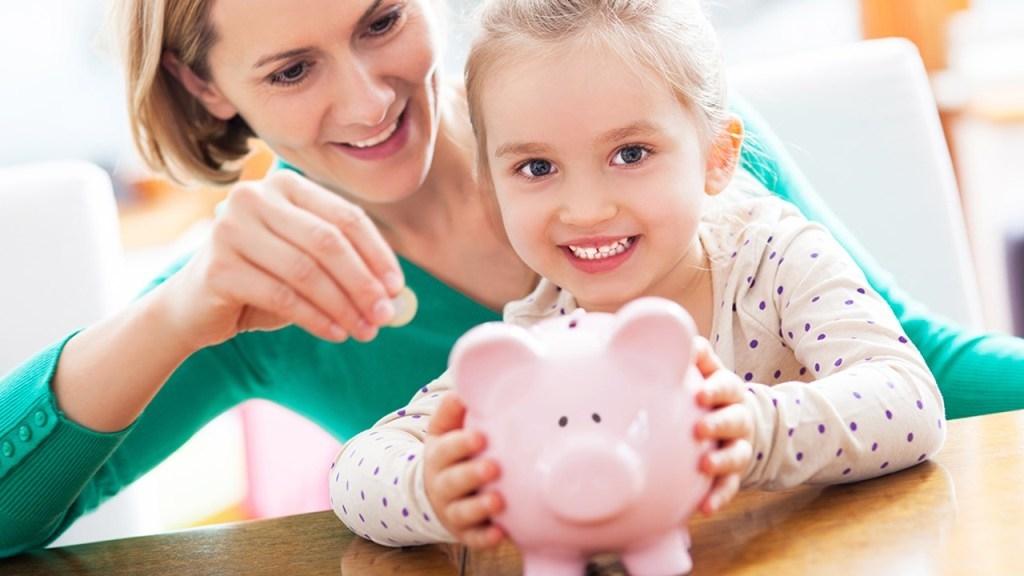 Семьи с детьми от трёх до семи лет начали получать повышенное детское пособие