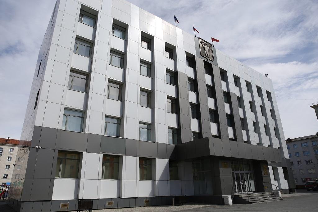 Дефицит бюджета Норильска на 2021 год снизился почти на миллиард рублей