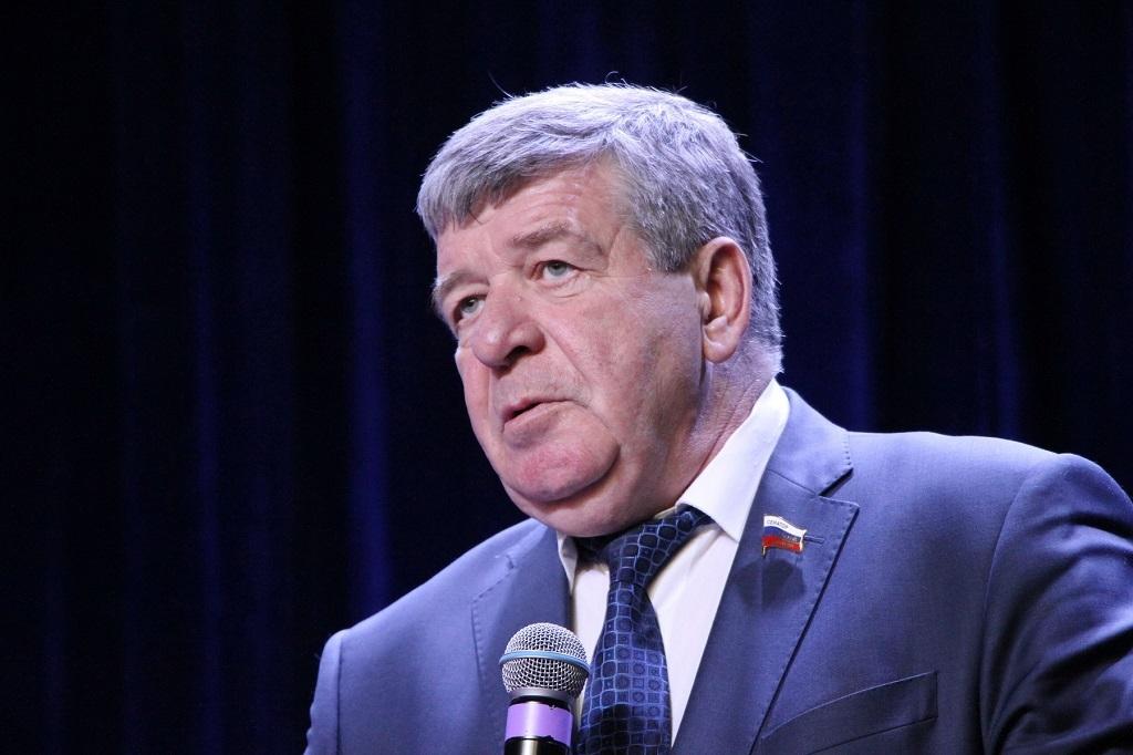 Сенатор Российской Федерации Валерий Семенов: «Школы и детсады в Арктике будут возводиться быстрее»