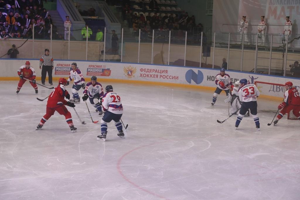 Легенды хоккея вновь сыграют в Норильске