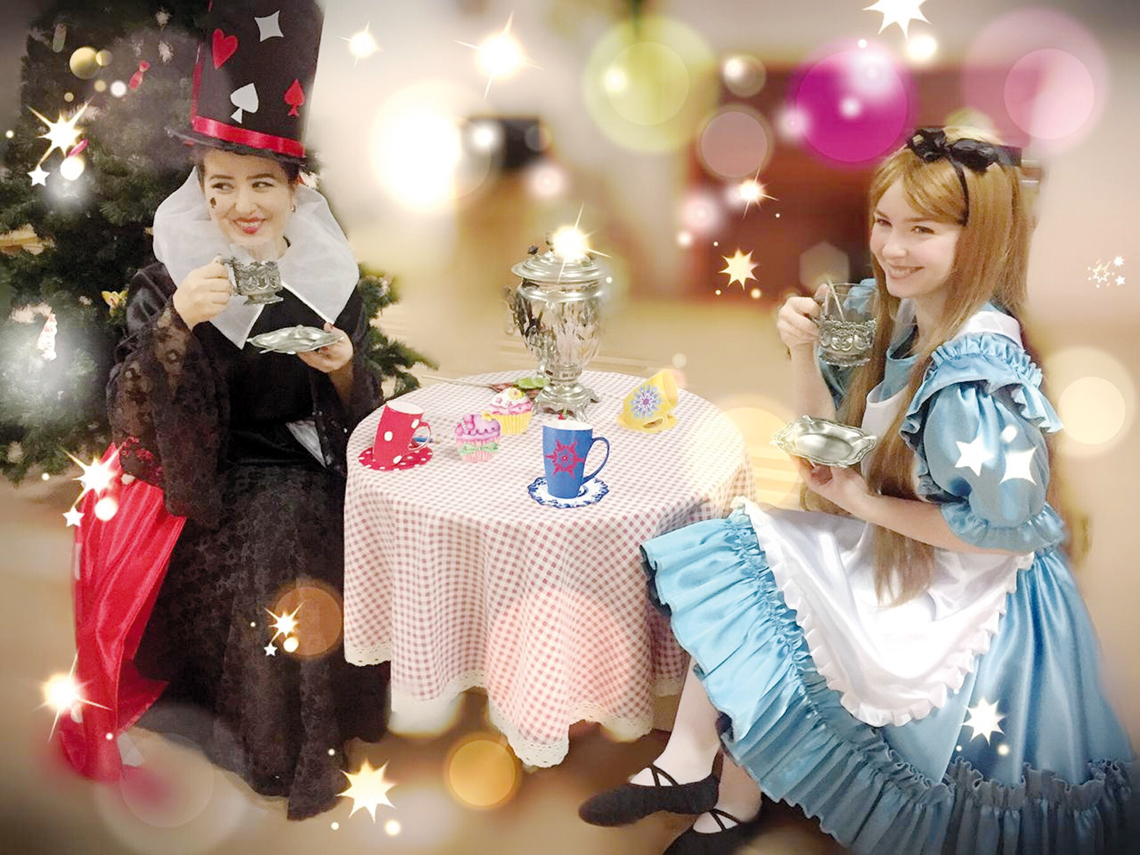 В детском саду «Надежда» готовят постановку «Алиса в стране чудес»