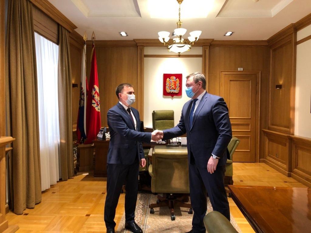 Дмитрий Карасев в ходе рабочего визита в Красноярск встретился с председателем краевого Законодательного собрания