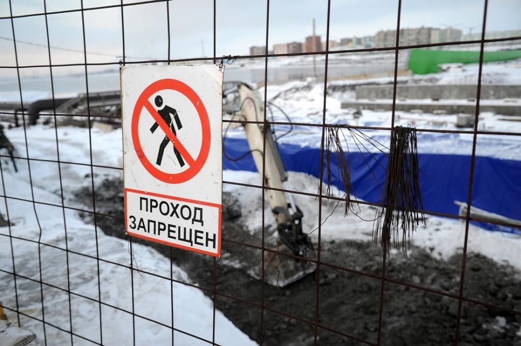 Продолжается реконструкция моста через напорные водоотводы на Октябрьской