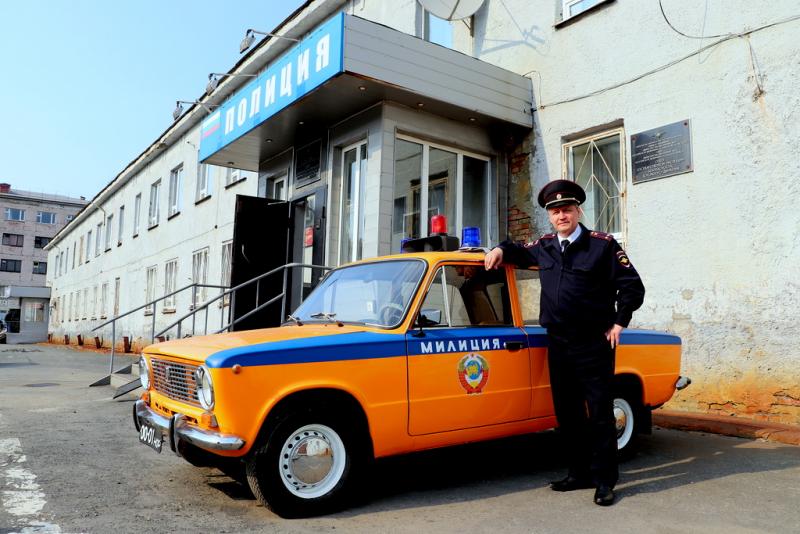 В честь 85-летия ГИБДД дорожные полицейские подарили городу новый арт-объект