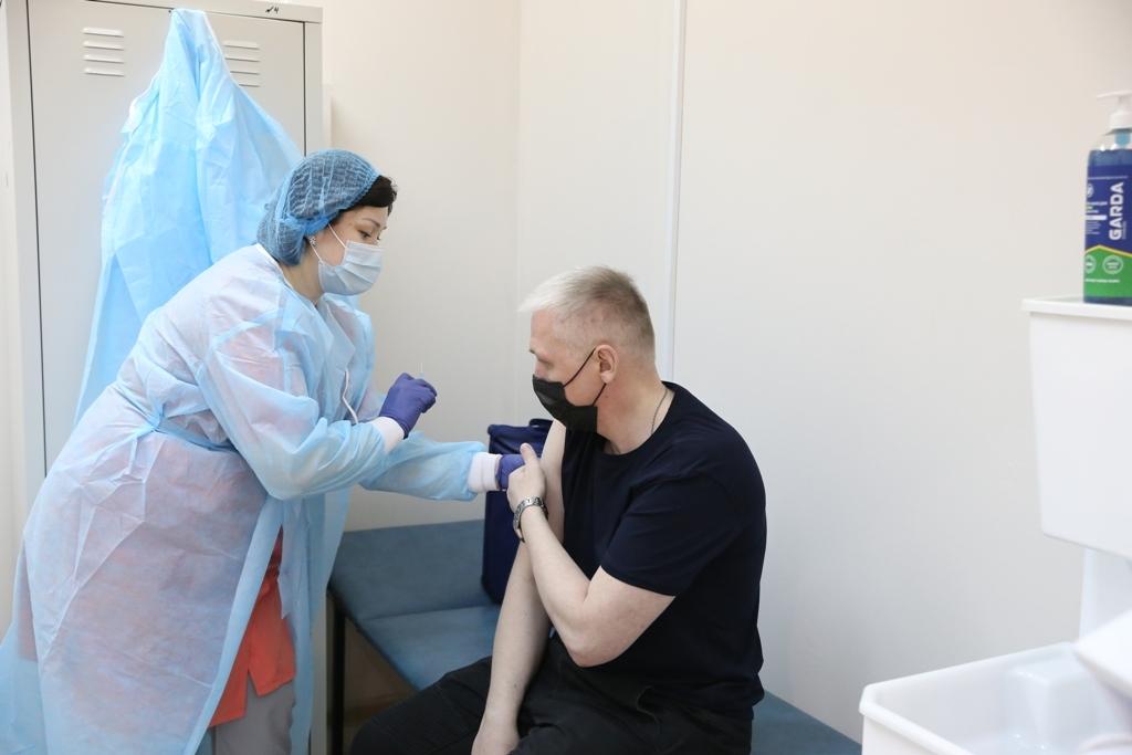 Мобильный пункт вакцинации в «Арене» приостановил работу