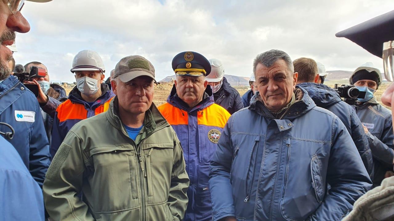 Министр МЧС России Евгений Зиничев посетил полигон хранения загрязнённого грунта