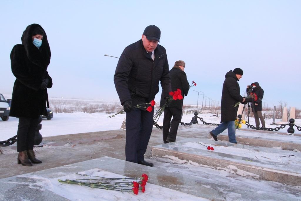 В Норильске почтили память Героев Отечества