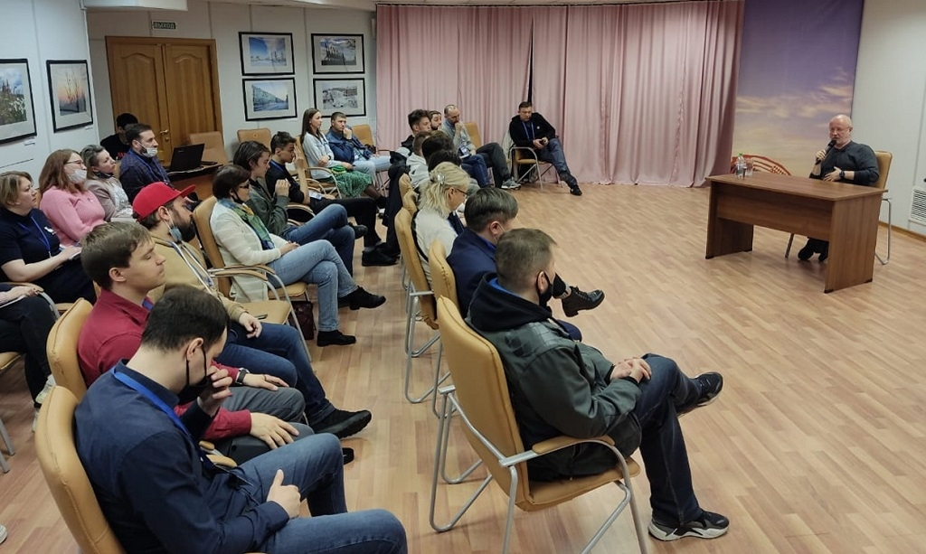 На этих выходных Дмитрий «Гоблин» Пучков провёл в Норильске и Дудинке мастер-класс для таймырских блогеров