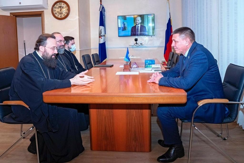 Епископ Норильский и Туруханский Агафангел встретились с главой Таймыра Евгением Вершининым в Дудинке