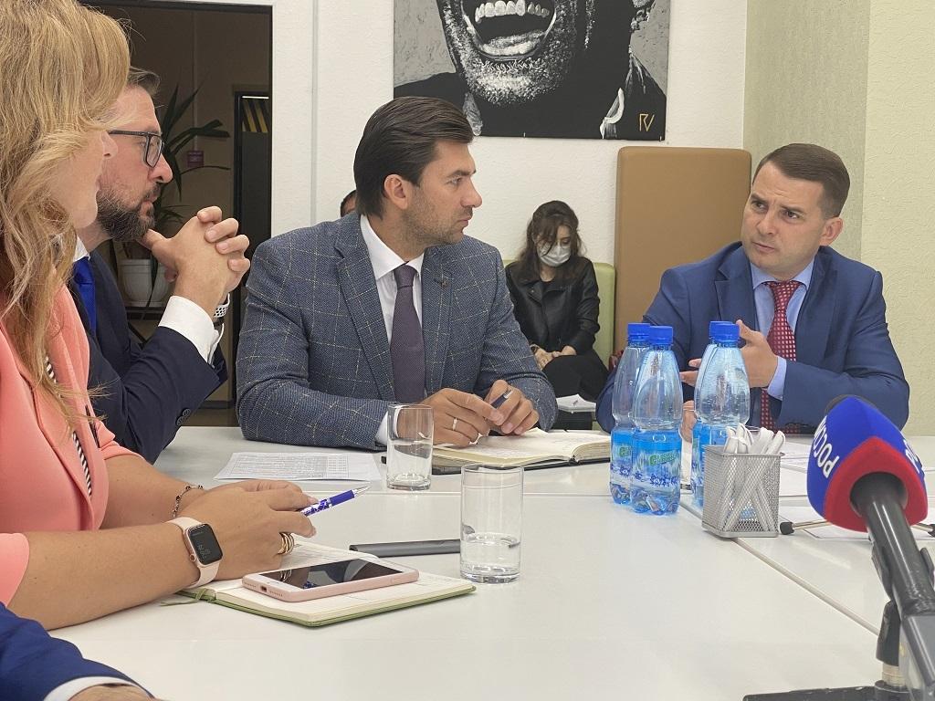 Депутаты Госдумы и краевого Заксобрания встретились с командой Агентства развития Норильска