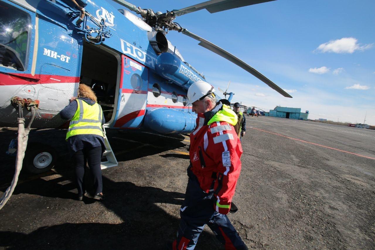 Сегодня в Норильск прилетел отряд морской спасательной службы из Мурманска