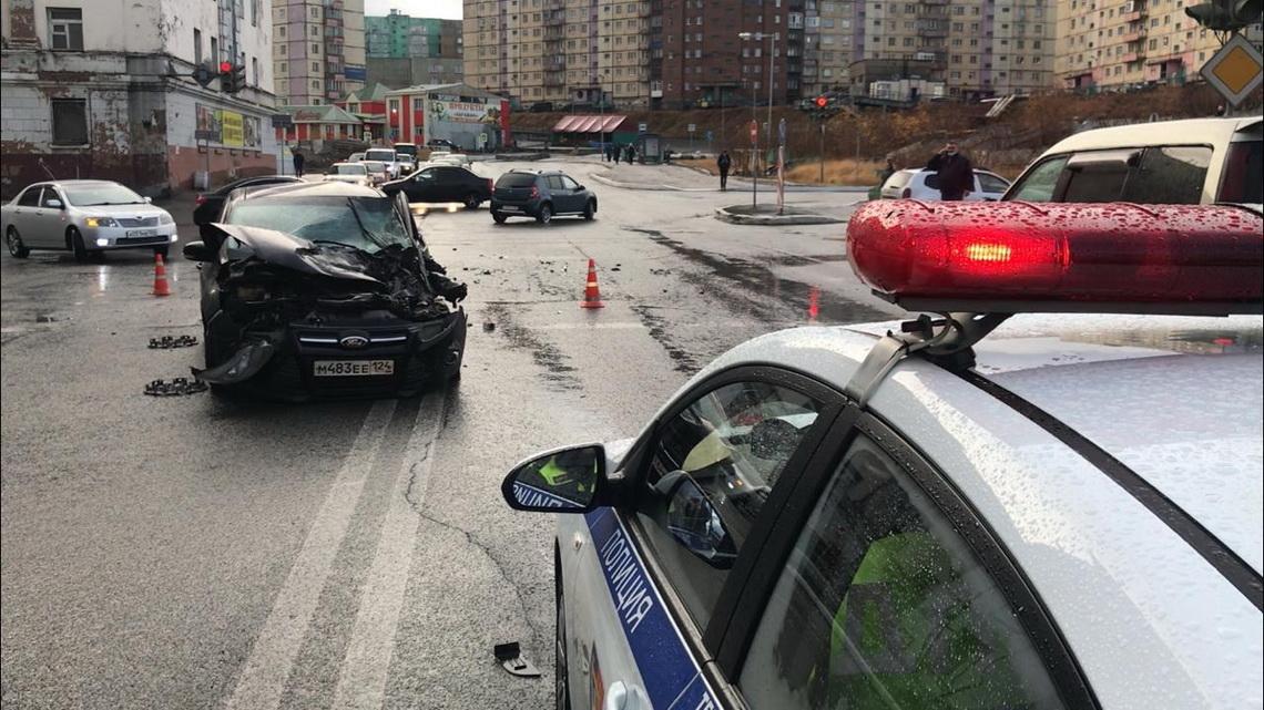 В ДТП на перекрёстке Комсомольская-Советская пострадало двое норильчан