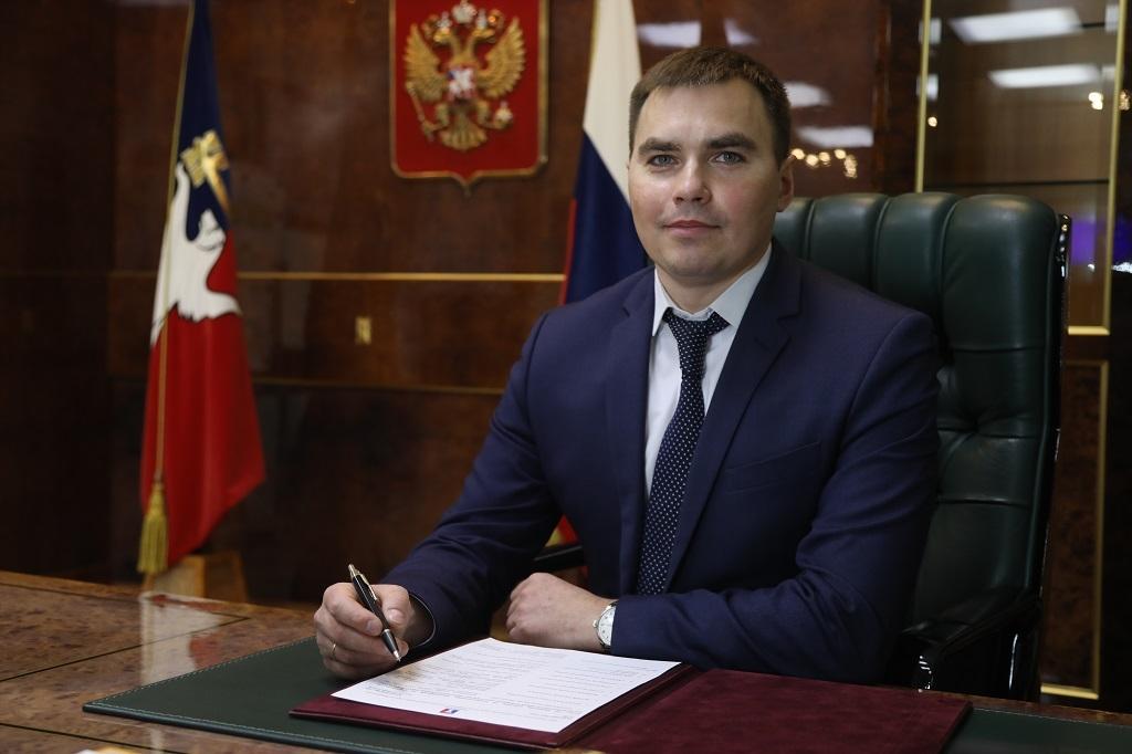Поздравление главы города Дмитрия Карасева выпускникам школ