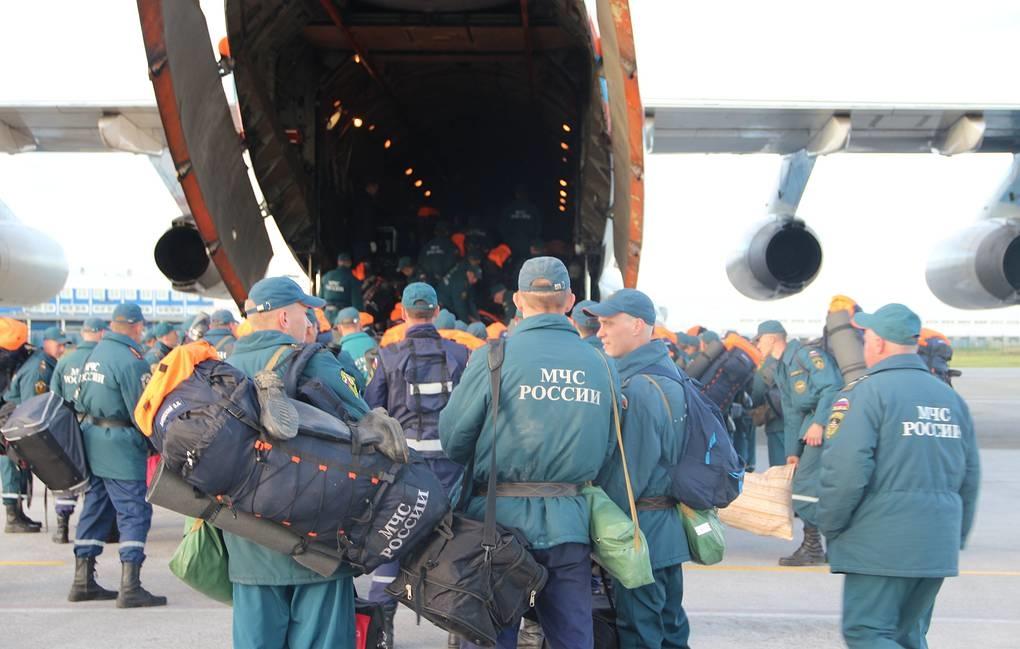 100 спасателей Сибирского центра МЧС России вылетели в Норильск для ликвидации разлива топлива