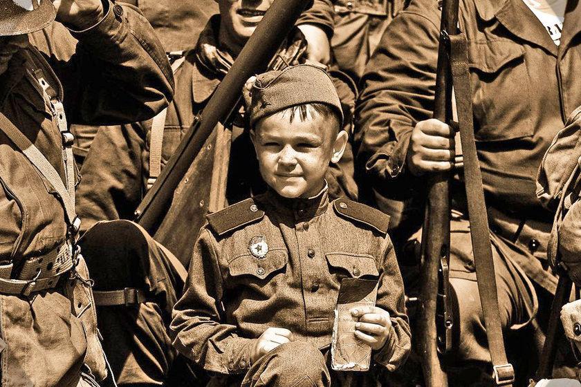 С 1 июня в Красноярском крае будут начисляться ежемесячные выплаты детям войны