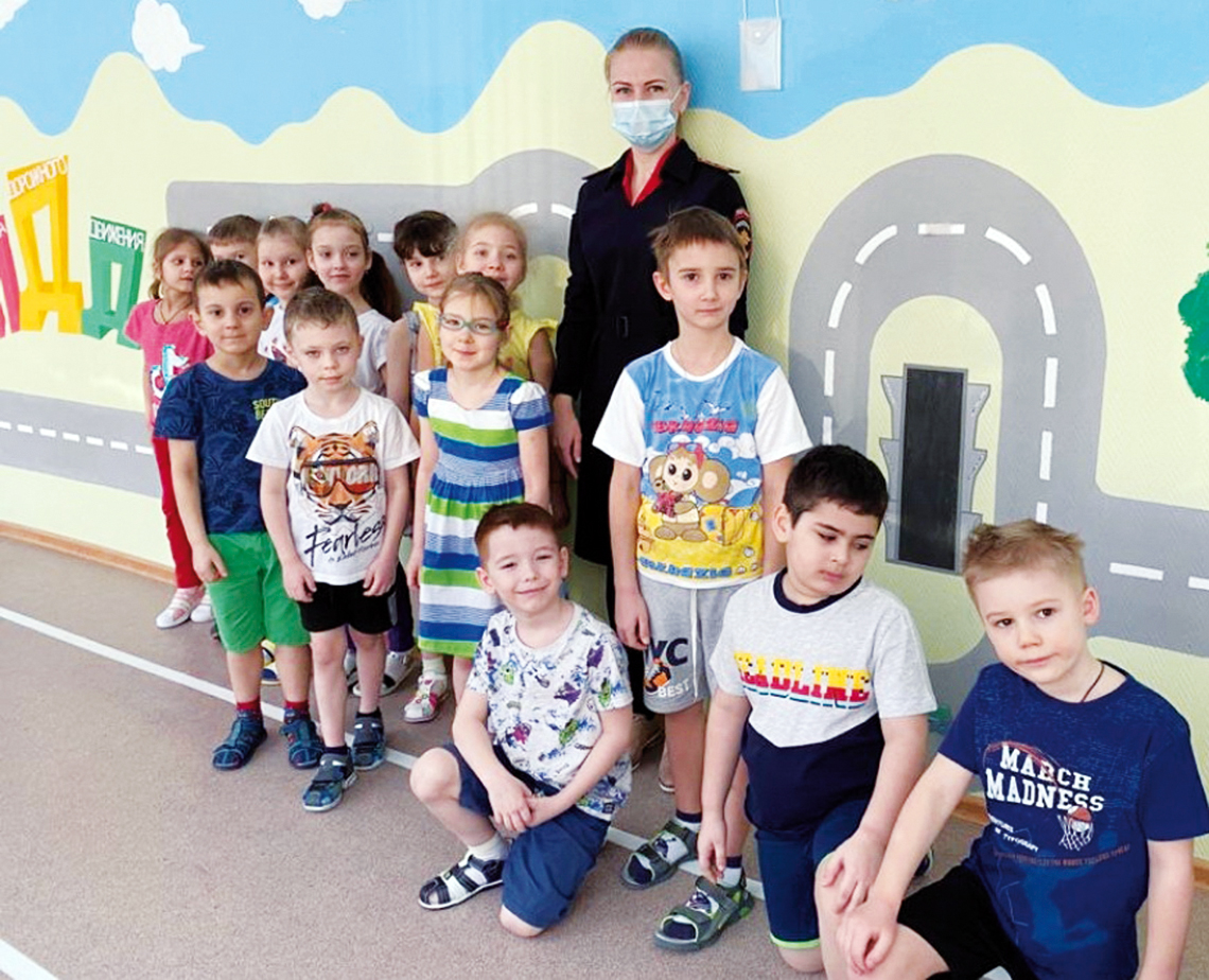 В детском садике «Цветик–семицветик» учат правилам дорожного движения