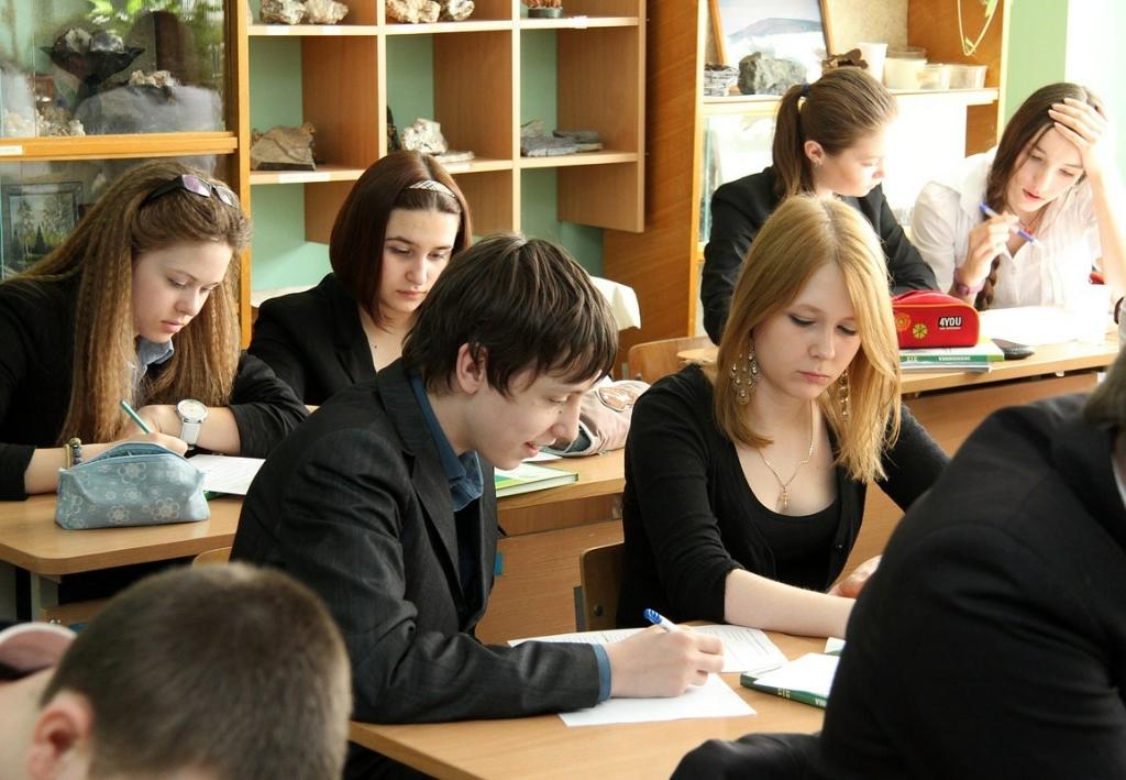 Сроки написания итогового сочинения в 11-х классах перенесены