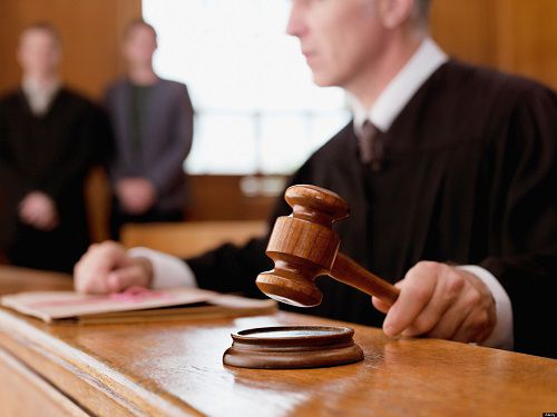 Три года тюрьмы и лишение прав опеки грозит норильчанке за жестокое обращение с приемными детьми.