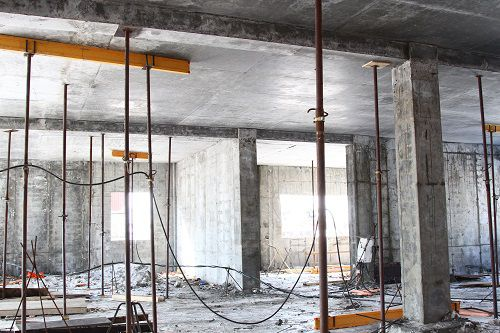 «К 1 октября в здании норильского перинатального центра должны приступить к чистовой отделке», - заявил губернатор Виктор Толоконский.