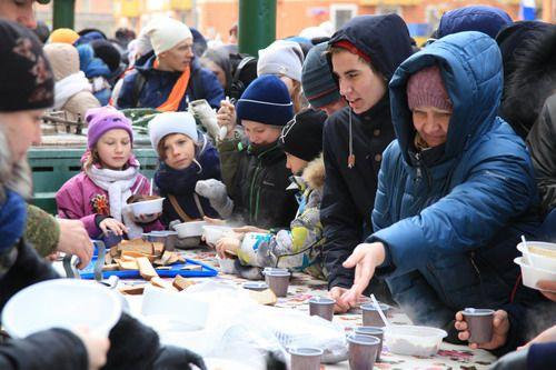 18 марта на народных гуляньях «Весну-красну встречаем!» в Норильске будут работать полевые кухни, где горожане смогут согреться горячим чаем и шурпой.