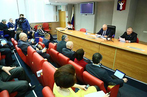 Муниципальные программы ЖКХ и городского хозяйства депутаты скорректируют в ходе сессии. Сегодня же они обсудили все детали выносимых на повестку вопросов.