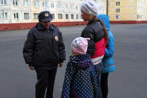 Норильские полицейские напоминают о недопустимости нахождения подростков в общественных местах в ночное время.
