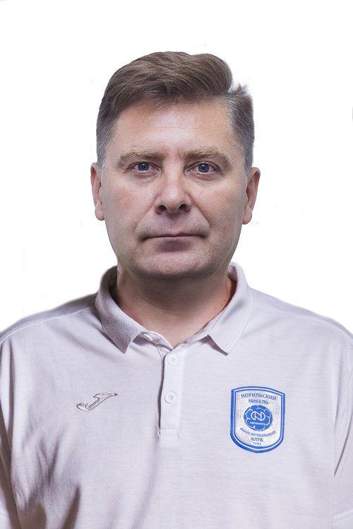 Заполярная команда приветствует нового наставника. У МФК «Норильский никель» новый главный тренер.