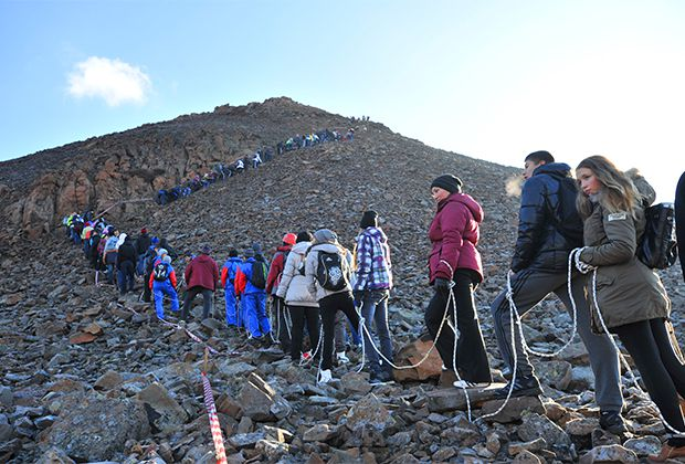 Завтра состоится традиционное массовое восхождение на гору Сокол, история берет свое начало с 60-х годов прошлого века.