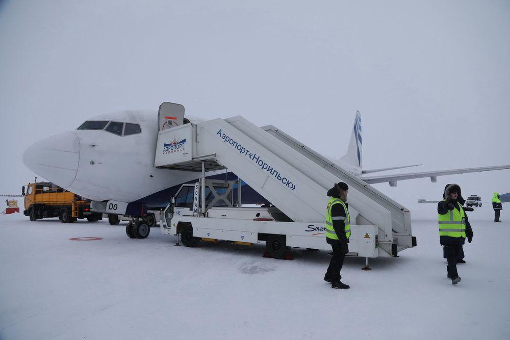 Рейс из Норильска в Москву и Минводы задержался на несколько часов по техническим причинам.