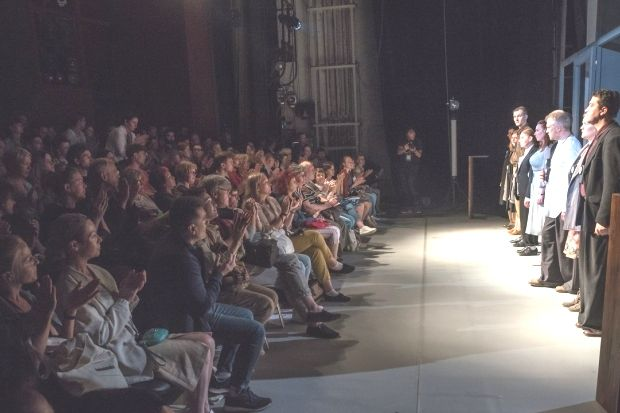Сегодня в Камышине на Фестивале малых городов России Норильская драма представит свою «Гиперборею».