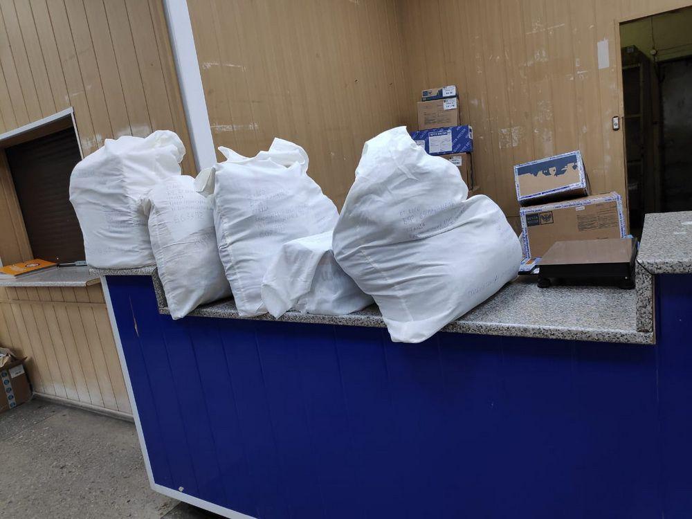 Почти сто килограммов гуманитарной помощи собрал и передал Иркутской области благотворительный фонд «69 параллель».
