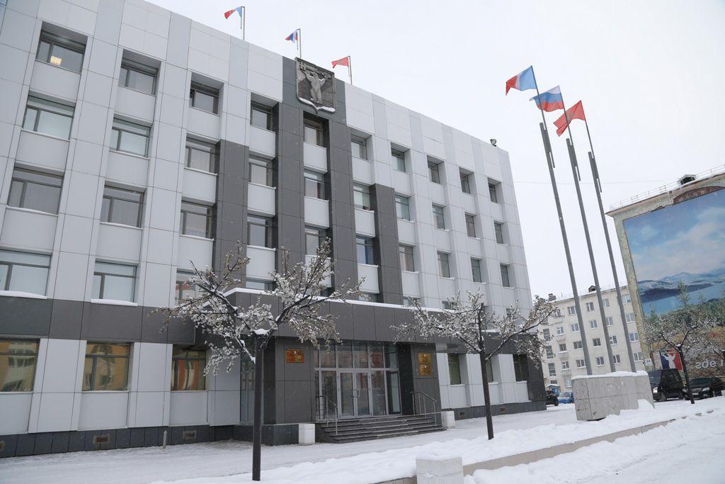 Администрация Норильска представила на обсуждение в горсовет корректировку муниципальных программ.