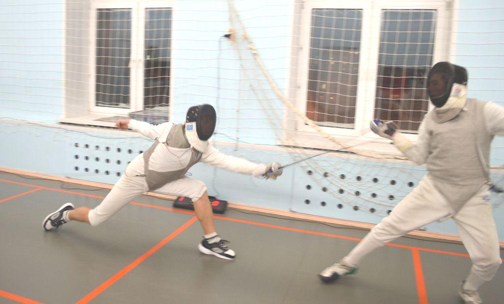 Открытый кубок Красноярского края по фехтованию на рапире прошёл в Норильске в минувшие выходные.