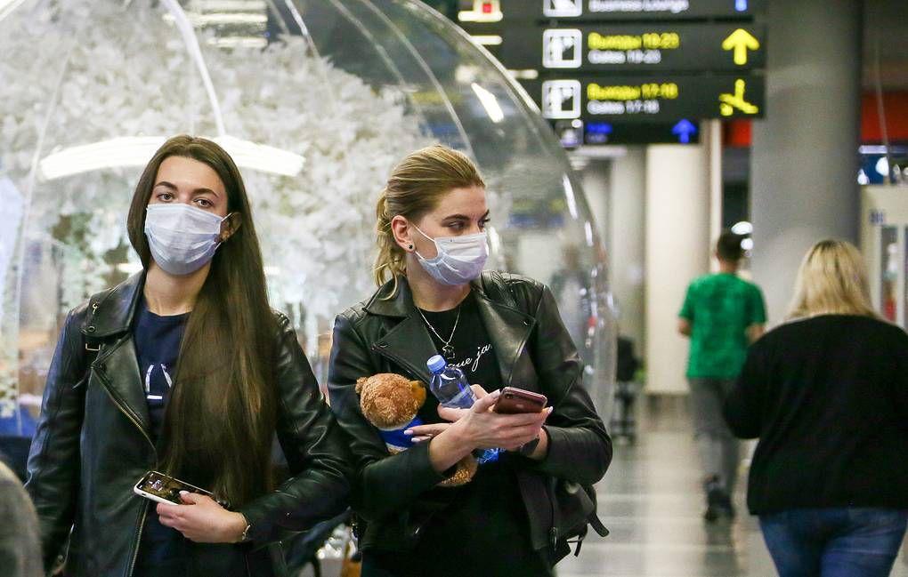 Загранкомандировки отменить, массовые мероприятия сократить. Чтобы избежать распространения коронавируса, в России введены дополнительные меры.
