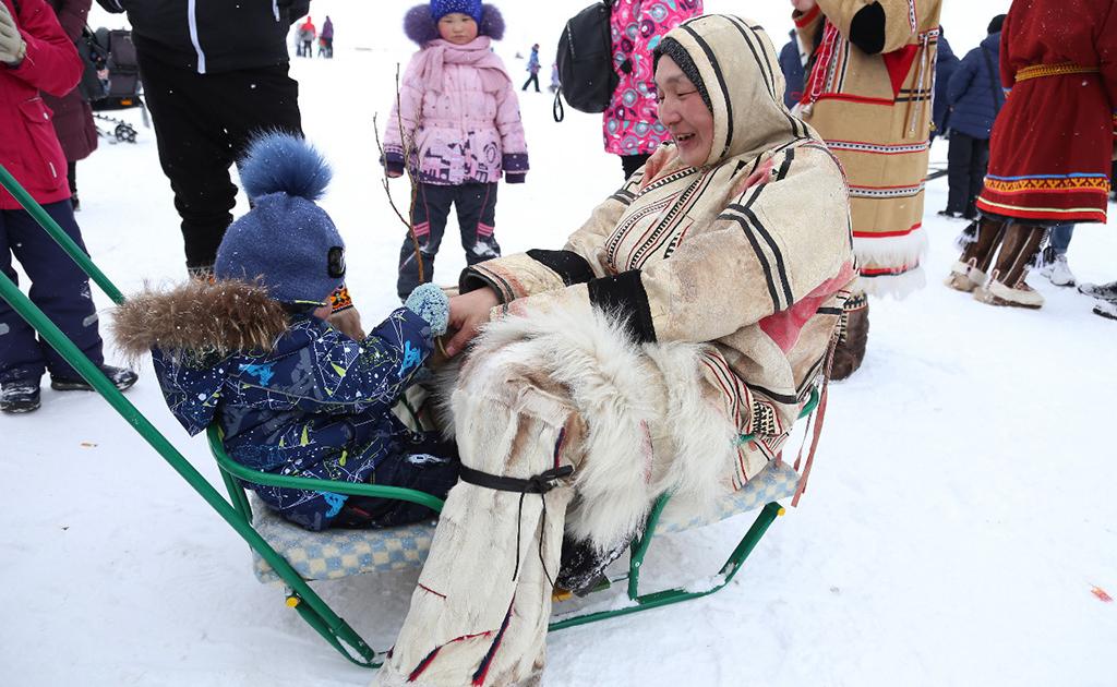 Таймырские дети в посёлке Потапово познакомились с культурой энцев