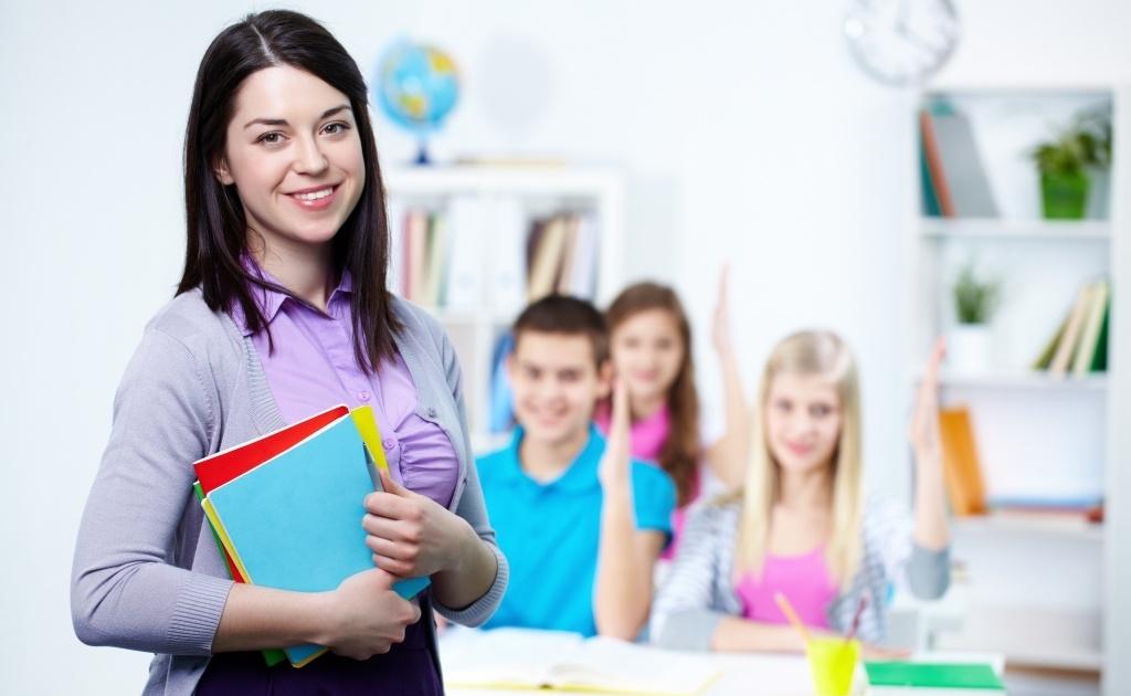 Президент подписал закон, дающий возможность студентам педагогических специальностей уже с четвёртого курса вести уроки