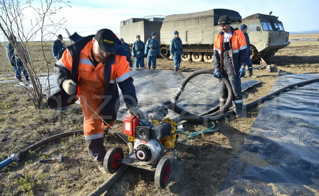 Операция по ликвидации последствий разлива дизтоплива на ТЭЦ-3 на Амбарке вошла во вторую стадию