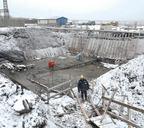 При возведении объектов третьего пускового комплекса используется технология бессвайного строительства на скальном основании