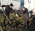 В Норильске прошёл общегородской субботник по озеленению
