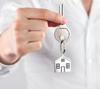 По заявлениям застройщиков, в России зарегистрированы права дольщиков на 8,6 тысячи объектов недвижимости
