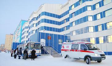 Глава Дудинки Юрий Гурин поблагодарил «Норникель» за медоборудование для Таймырской межрайонной больницы